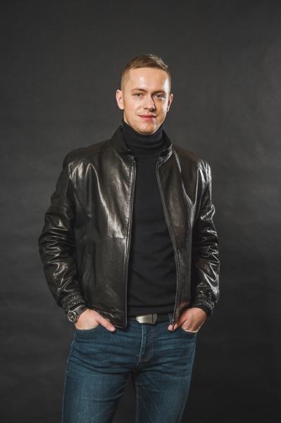 Куртка с кожаными манжетами