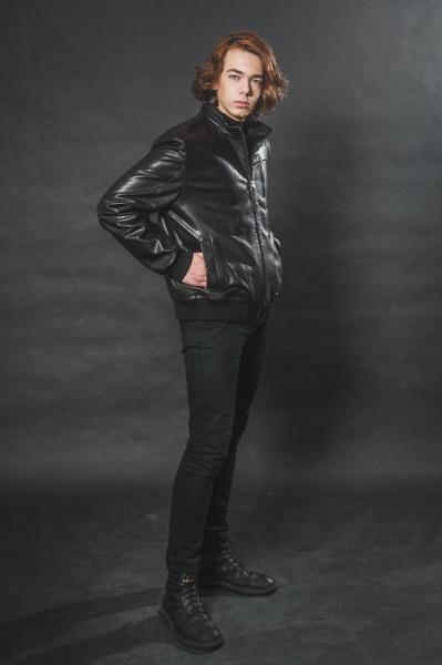 Кожаная куртка с манжетами
