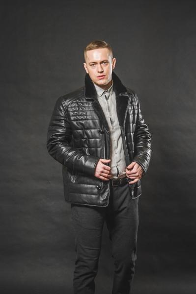 Куртка с воротником из мутона