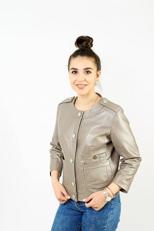 Кожаная куртка на кнопках